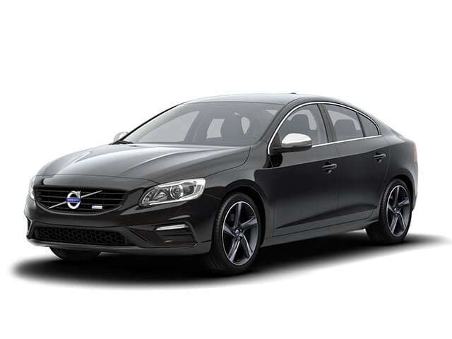 Черный автомобиль Вольво S60 с АКПП